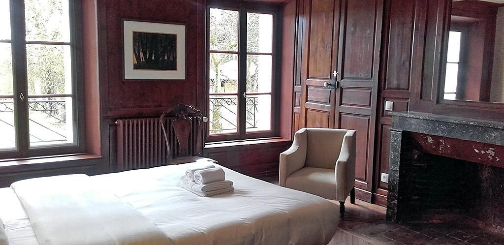 chambre-bucolique-chateau-authentique-mariage-normandie.jpg