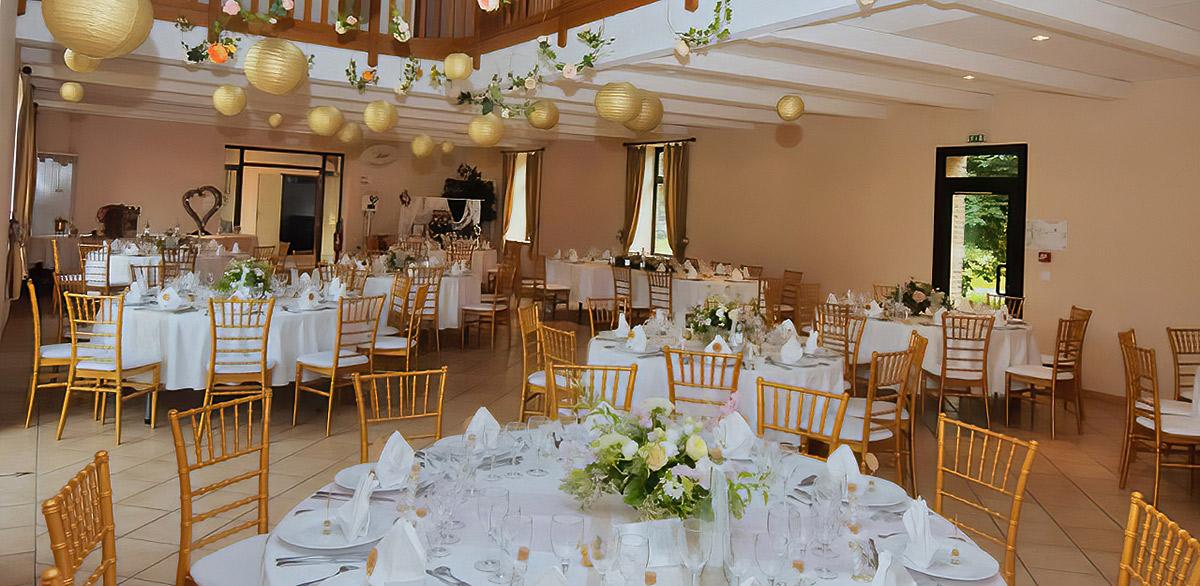 decoration-plafond-salle-de-mariage.jpg