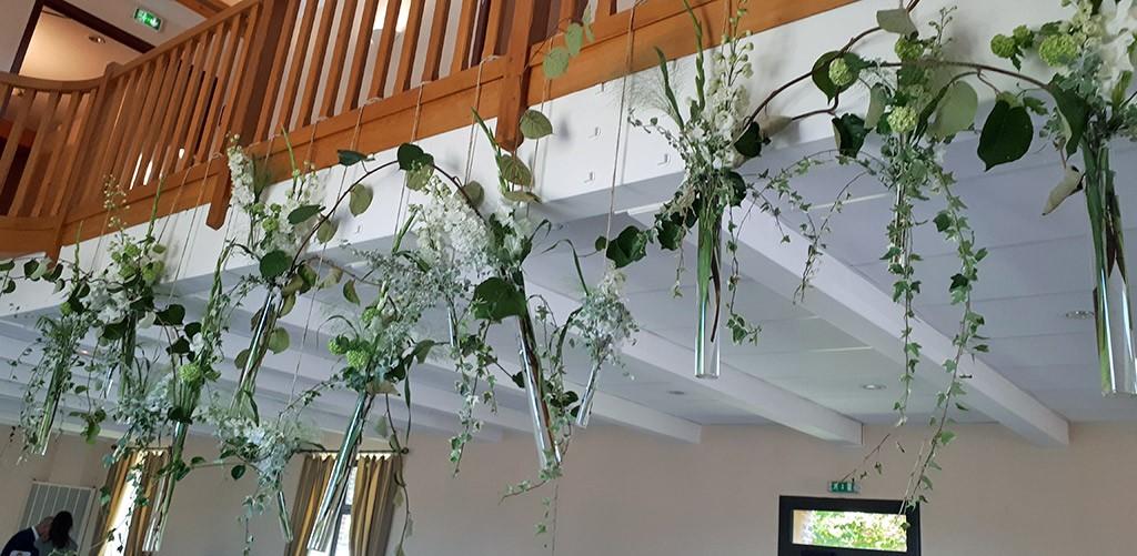 salle-petite-haye-plafond.jpg